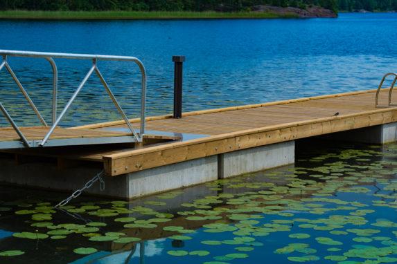 Trä- betongbrygga