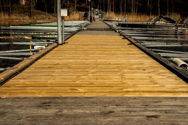Trä- betongbrygga lagning